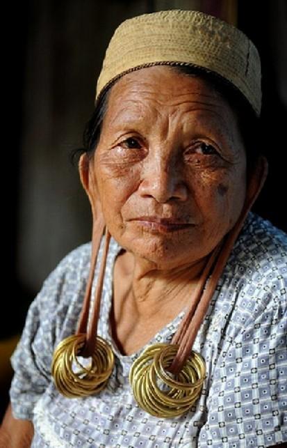 Les tribus dayak