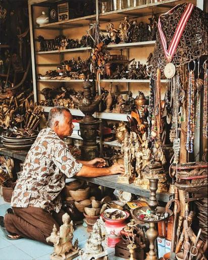 Marches d antiquites et de batik