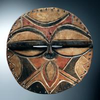 Masques de bois des tekes