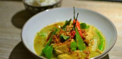 Poulet au curry vert thai au lait de coco