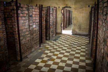 Prison s 21